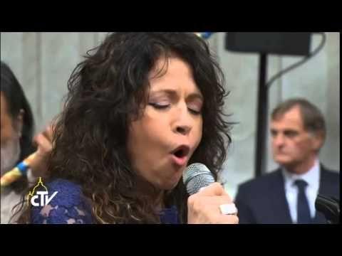 Patricia sosa gloria Misa criolla Vaticano 12 Diciembre de 2014 - YouTube