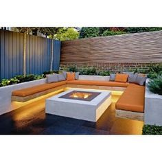 Delightful Firepit / Banquette... Would Love To Have This In The Corner Of Our