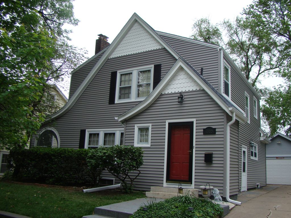Gray house black shutters yellow door remodeling ideas grey siding house grey siding grey - Black house with white trim ...