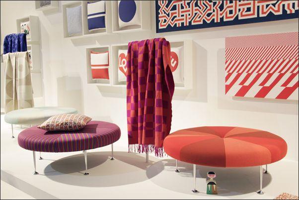 Colour Wheel Ottoman и коллекция пледов и подушек от Alexander Girard для #Vitra