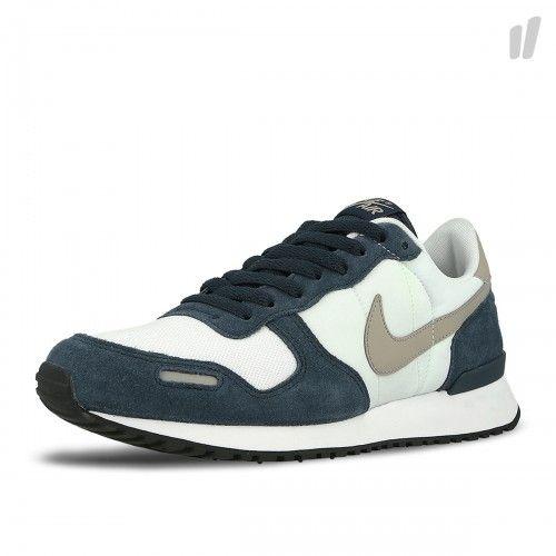 Nike OVERKILL Berlin Sneaker, Bekleidung & Graffiti