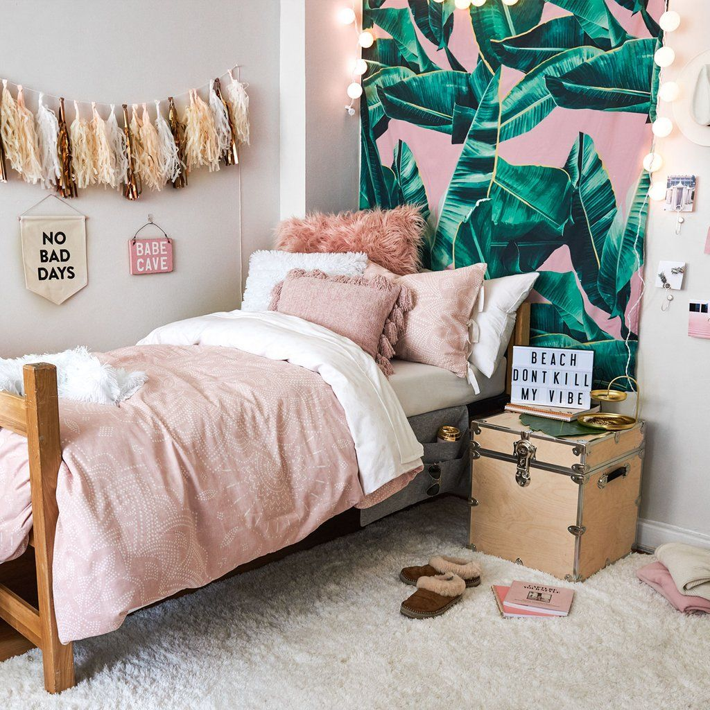 12 Perfect And Calming Bedroom Ideas For Women: Pink Bungalow Room – Dormify