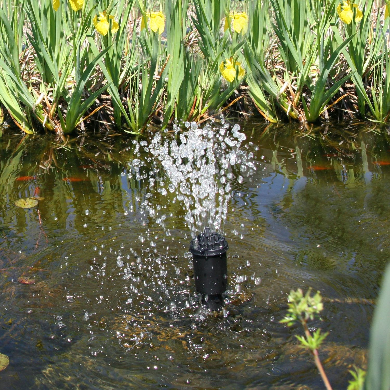 The spray nozzle is a classic design which adds soothing sound and aeration to your pond. (Model NK3 - Spray)