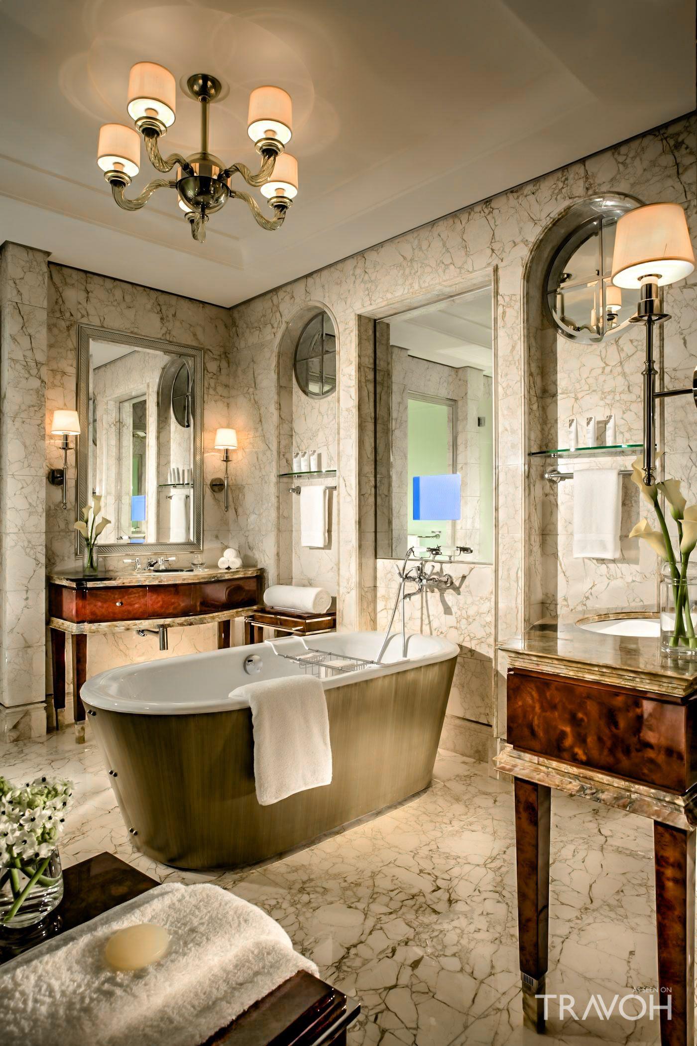 Luxury Hotel Bedrooms: St. Regis Luxury Hotel Singapore