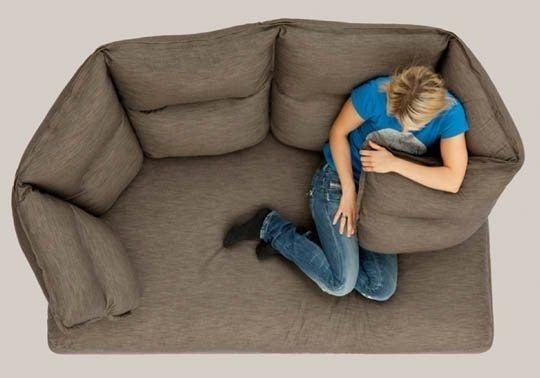 Enveloppez-vous dans ce canapé quand vous avez besoin d'un câlin. | 34 fauteuils de rêve qui vous donneront envie de faire la sieste