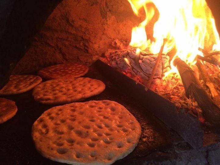 من انواع الخبز في جنوب لبنان يسمى بعابيق Special Bread At South Lebanon Food Cooking Desserts