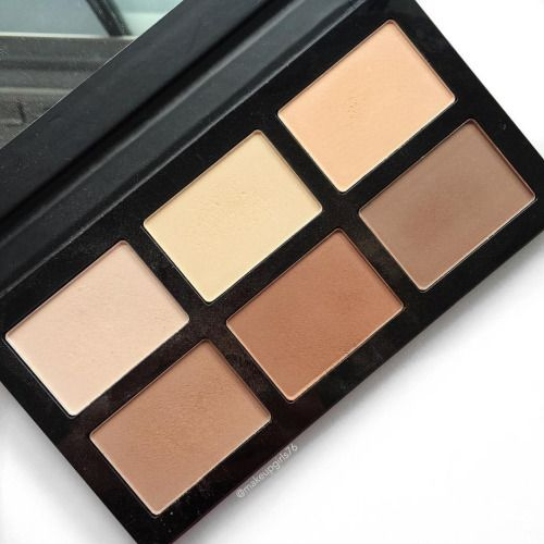 Been loving the @db_cosmetics Pro Contour Palette lately! The colours are perfect for a paler complexion and they blend so nicely into the skin!