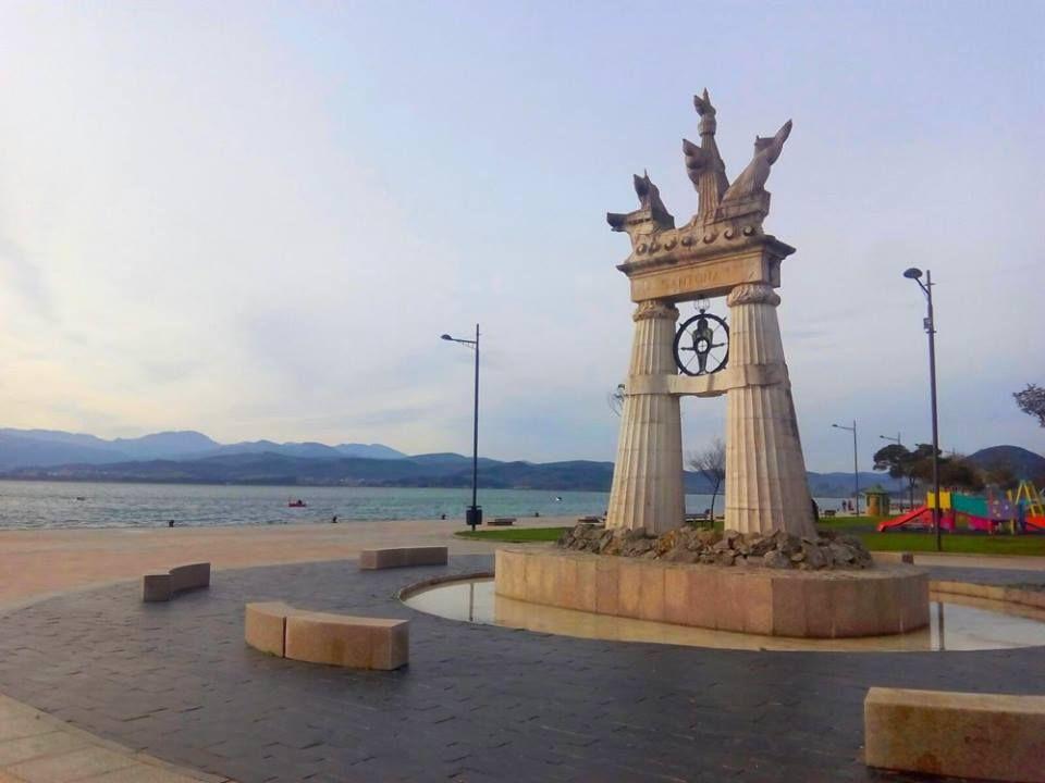 30/01/16 El monumento a Juan de la Cosa frente a nuestra hermosa bahía. ¡Santoña te espera!
