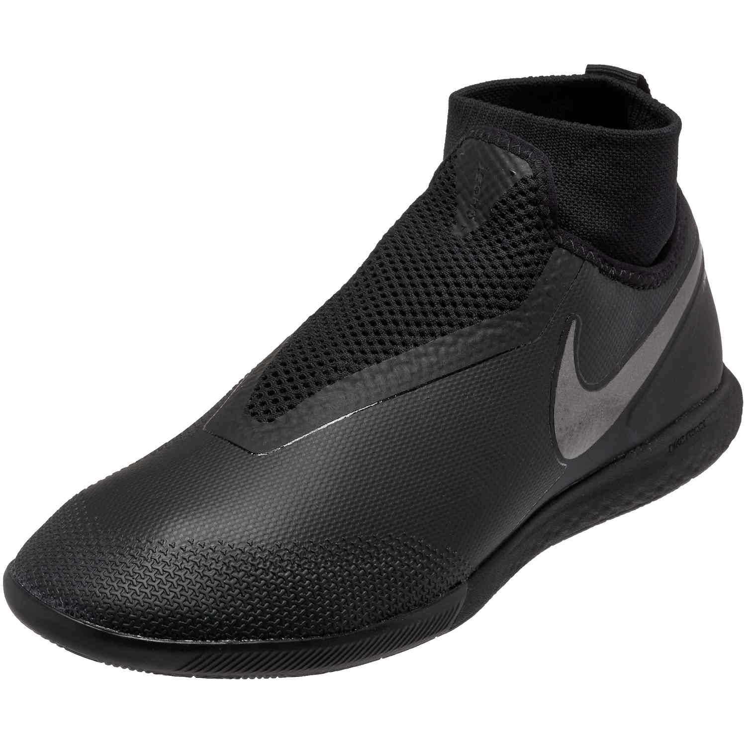 pastor Sotavento montar  Black Ops pack Nike React Phantom Pro indoor soccer shoes. Buy these shoes  from soccerpro.com now. | Chuteiras, Chuteiras nike, Tenis futsal