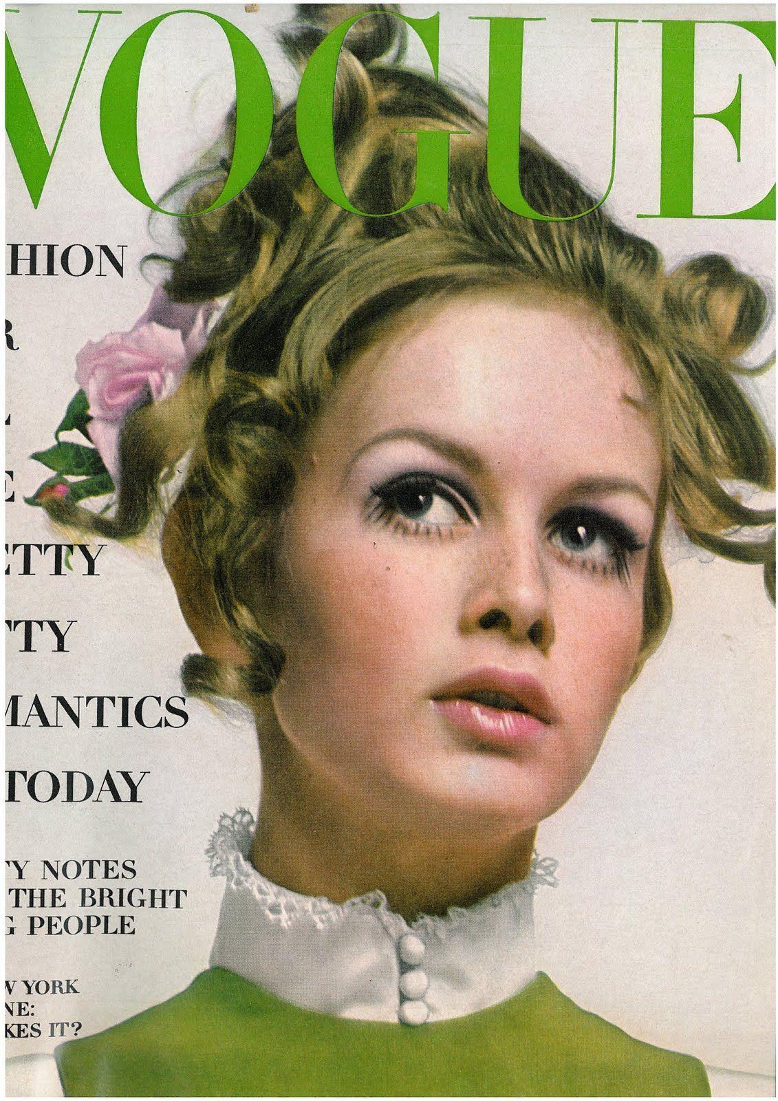 Twiggy by Richard Avedon Vogue US August 1967