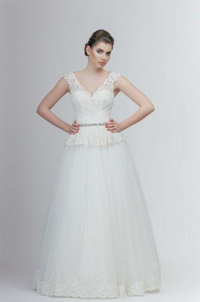 Style 1479 #andreesalon #weddinggown #weddingdress #vestidodenovia