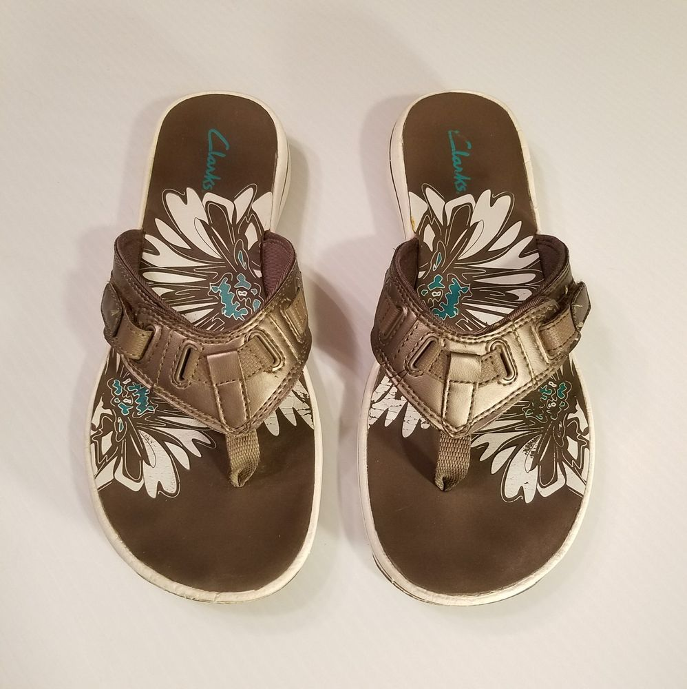 25823565e4288 Clarks Womens Size 8 8.5 Thong Sandals Brown Bronze Breeze Sea  Flip Flops   Clarks  FlipFlops  Casual