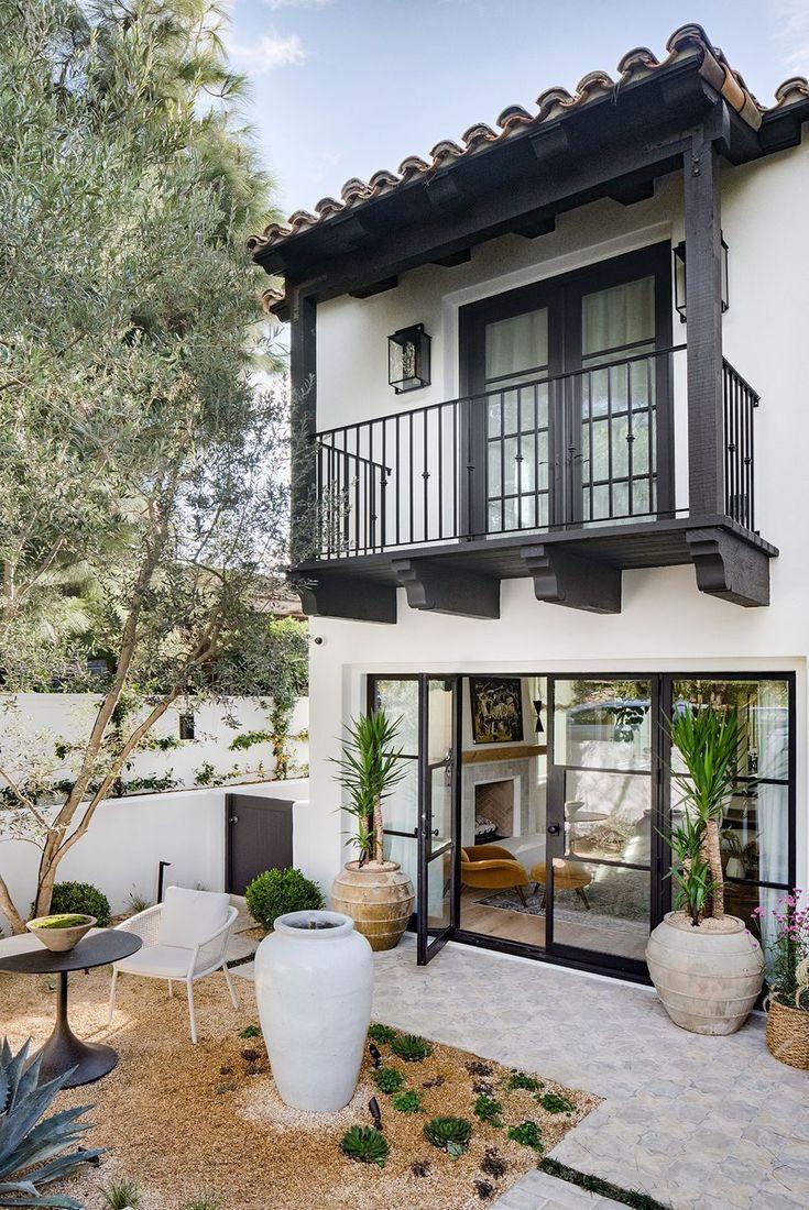 California Cool fait peau neuve dans cette joyeuse maison de Newport   – Outdoor Spaces