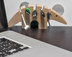 Kabelhalter für das Büro aus Holz / home office accessory, wooden cable organizer made by WellDone via DaWanda.com