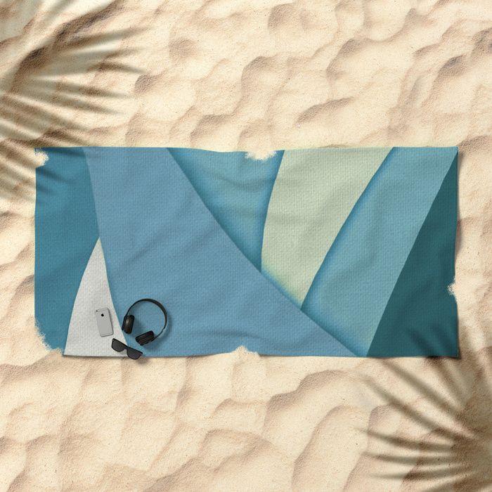 Sailing In Light Wind Beach Towel