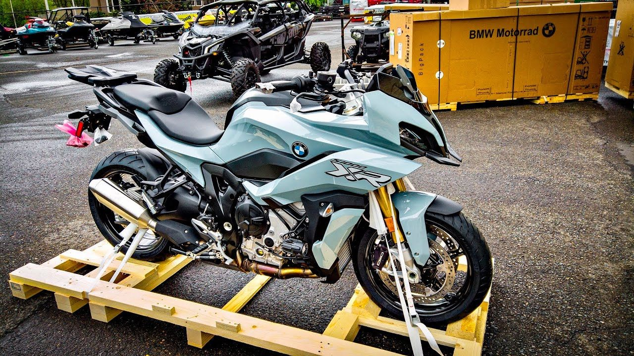 All New Bmw S1000xr The 2020 Model Is Here Thesmoaks Vlog 1620 New Bmw Bmw Bmw S