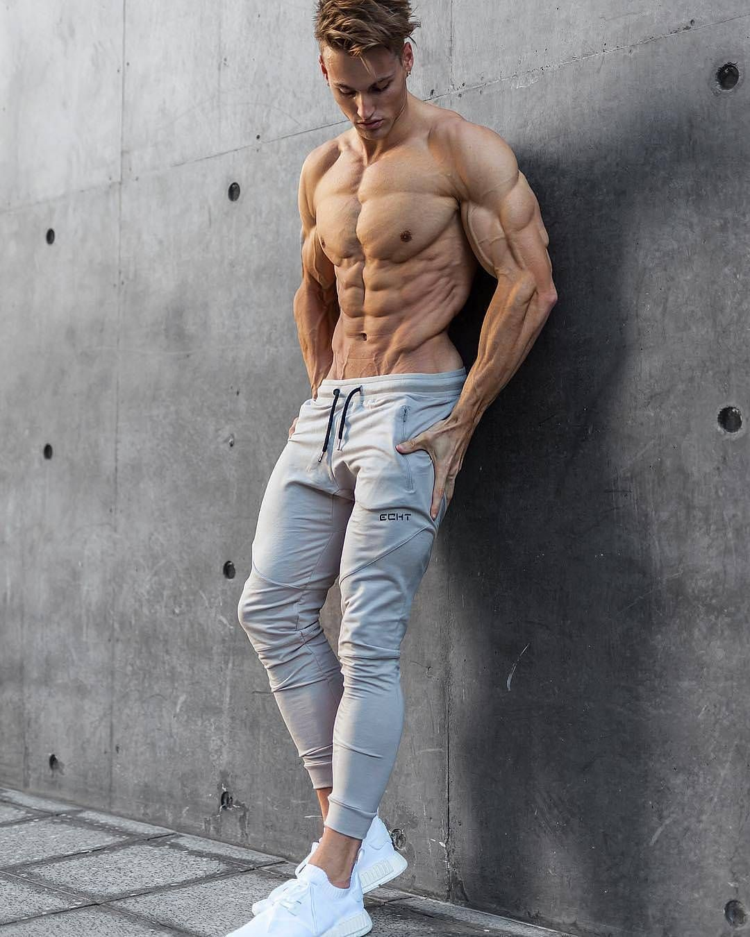 Share And Tag Friend Awesome Physiue And Triceps Goals