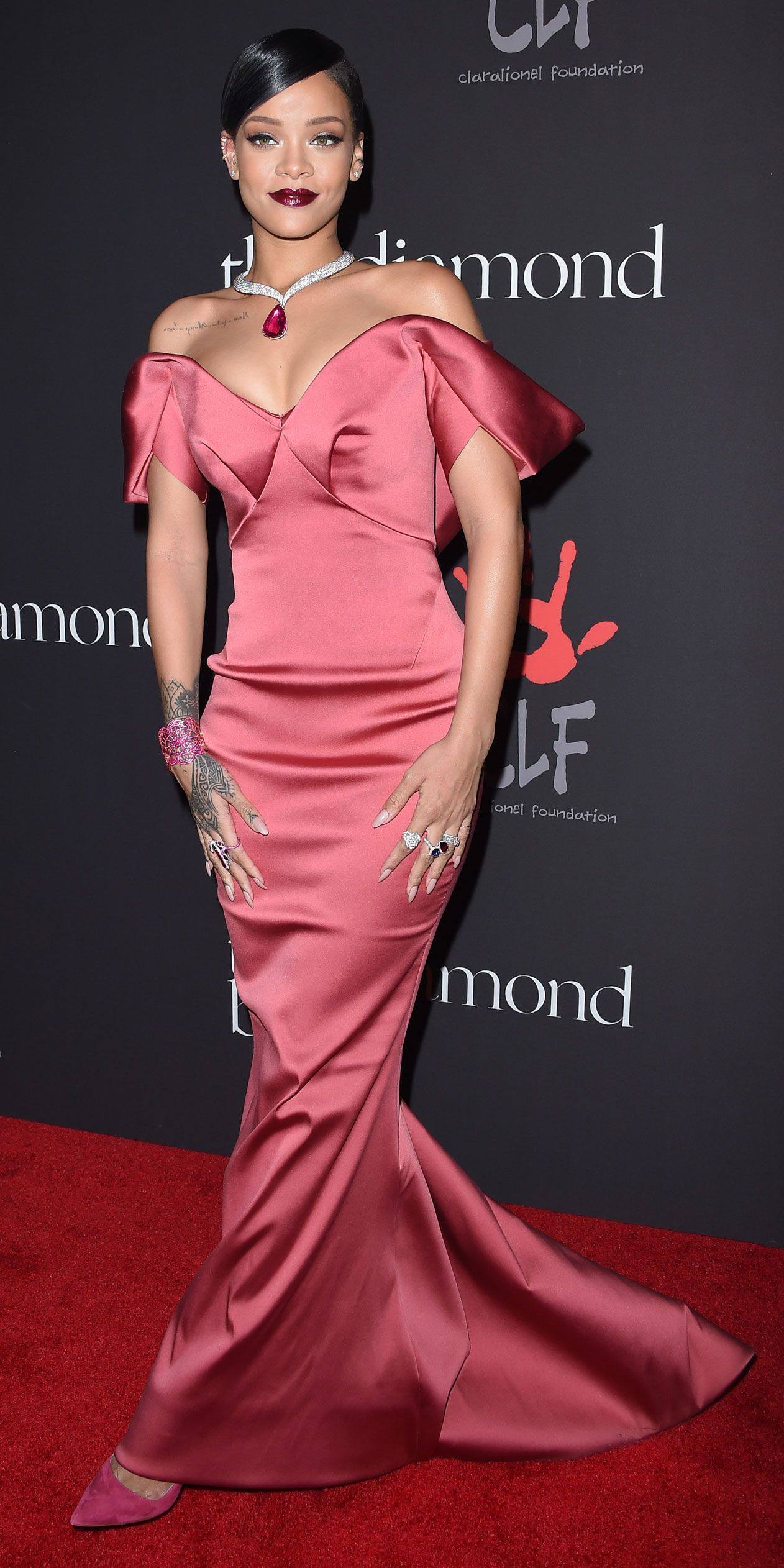 celebrity red carpet style 50+ best outfits | Rihanna red ...