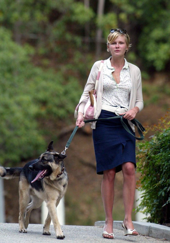 Kirsten Dunst has a GSD... :-D