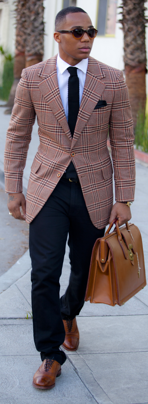 Men's Tan Plaid Blazer, White Dress Shirt, Navy Chinos, Brown Leather Brogues