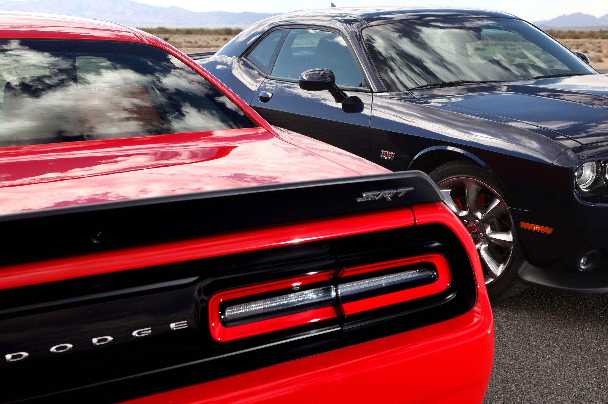 Dodge challenger hellcat 2015 dodge challenger srt hellcat tyred pinterest challenger srt hellcat photos and trends