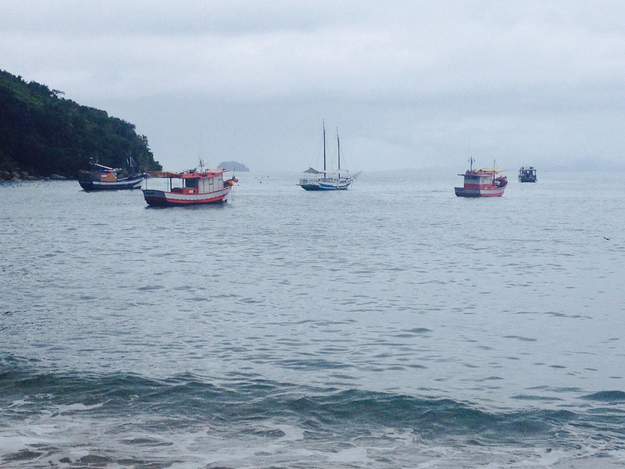 Ubatuba, litoral norte de São Paulo - praia da Pinciguaba, local de pescadores e produção de vieiras
