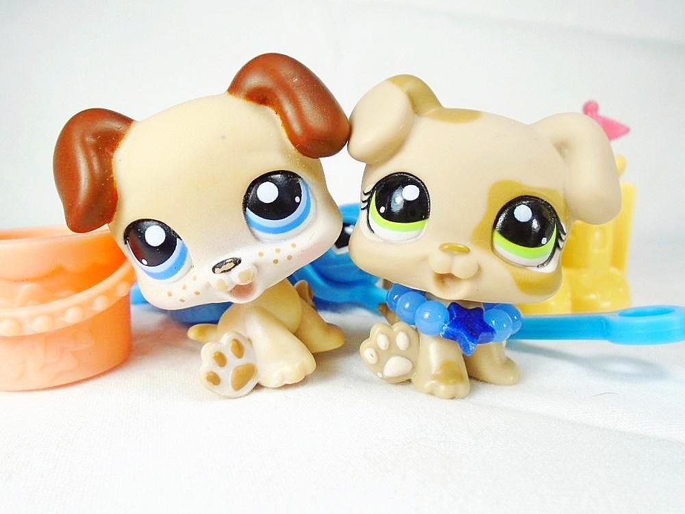 Littlest Pet Shop lot of 2 Boxer puppies 1353 and 143