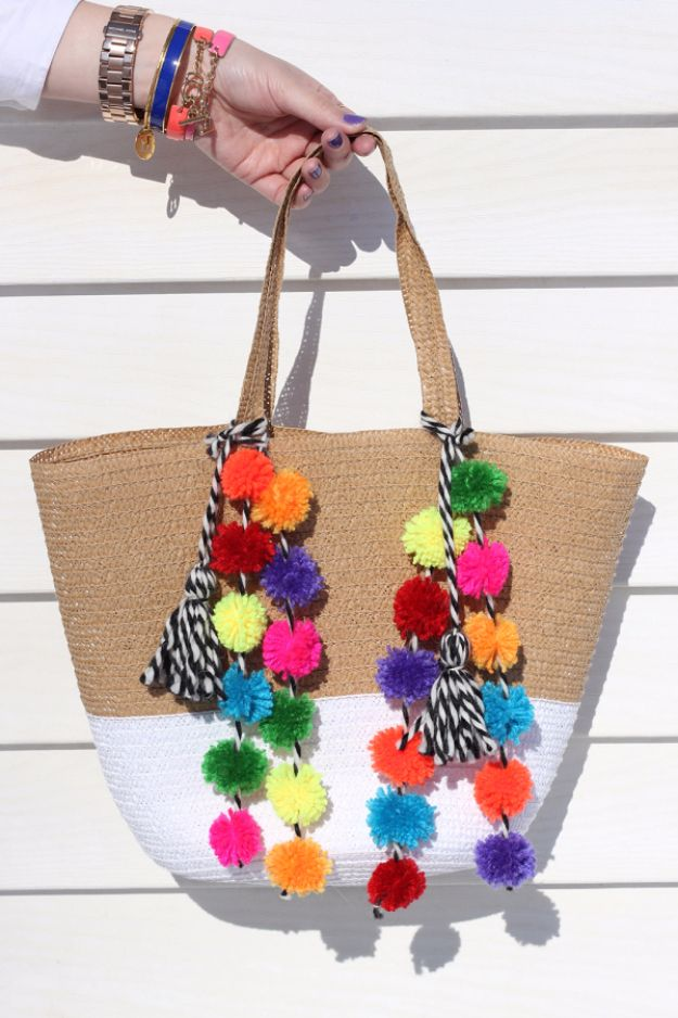 DIY Crafts with Pom Poms - Pom Pom Beach Bag DIY - Fun Yarn Pom Pom 062e8fe04962e