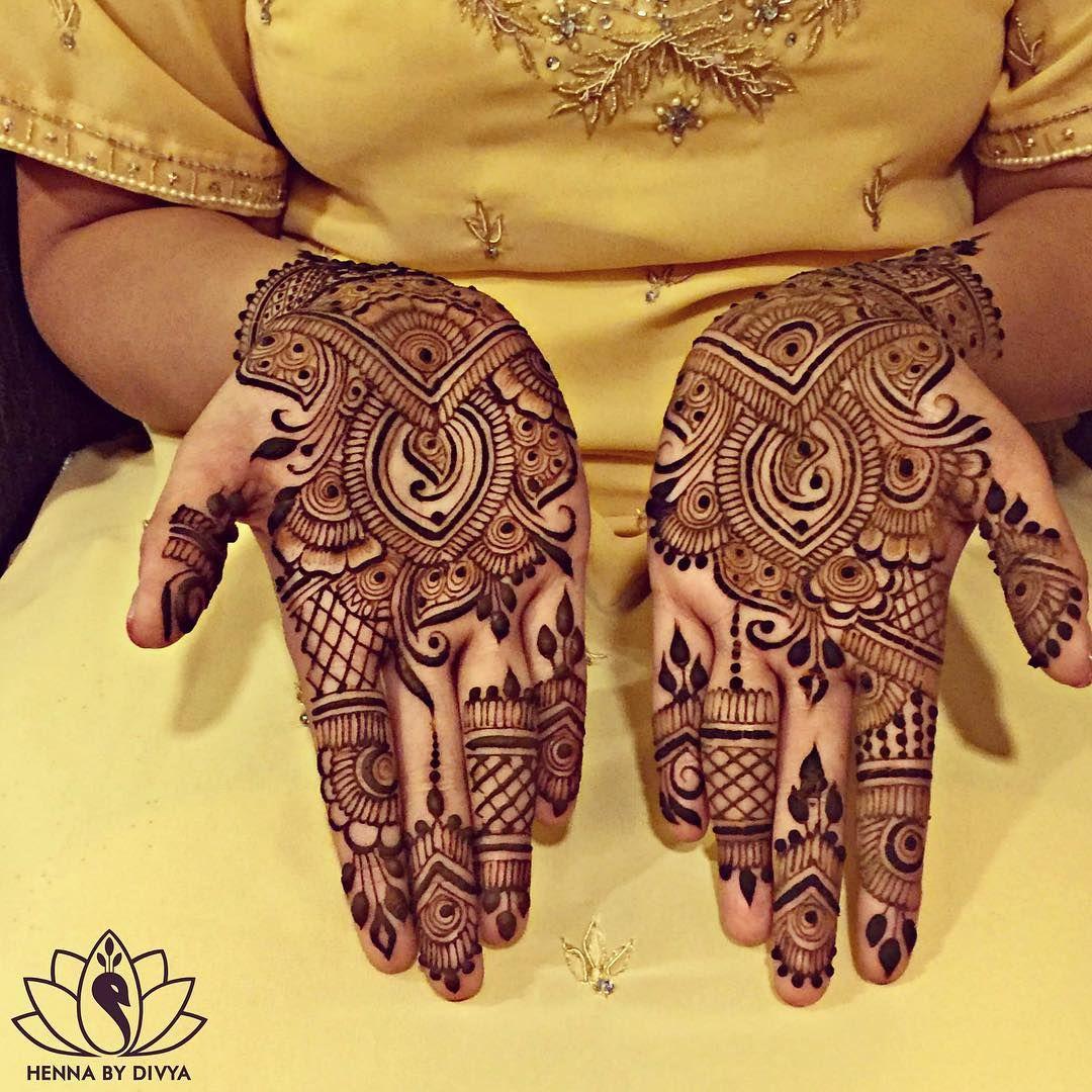 """Noor's #bridalhenna!  Can you find her groom's name? (Moe!) #henna #hennapro #hennabydivya #bridalhenna #torontohennaartist #hennaintoronto…"""