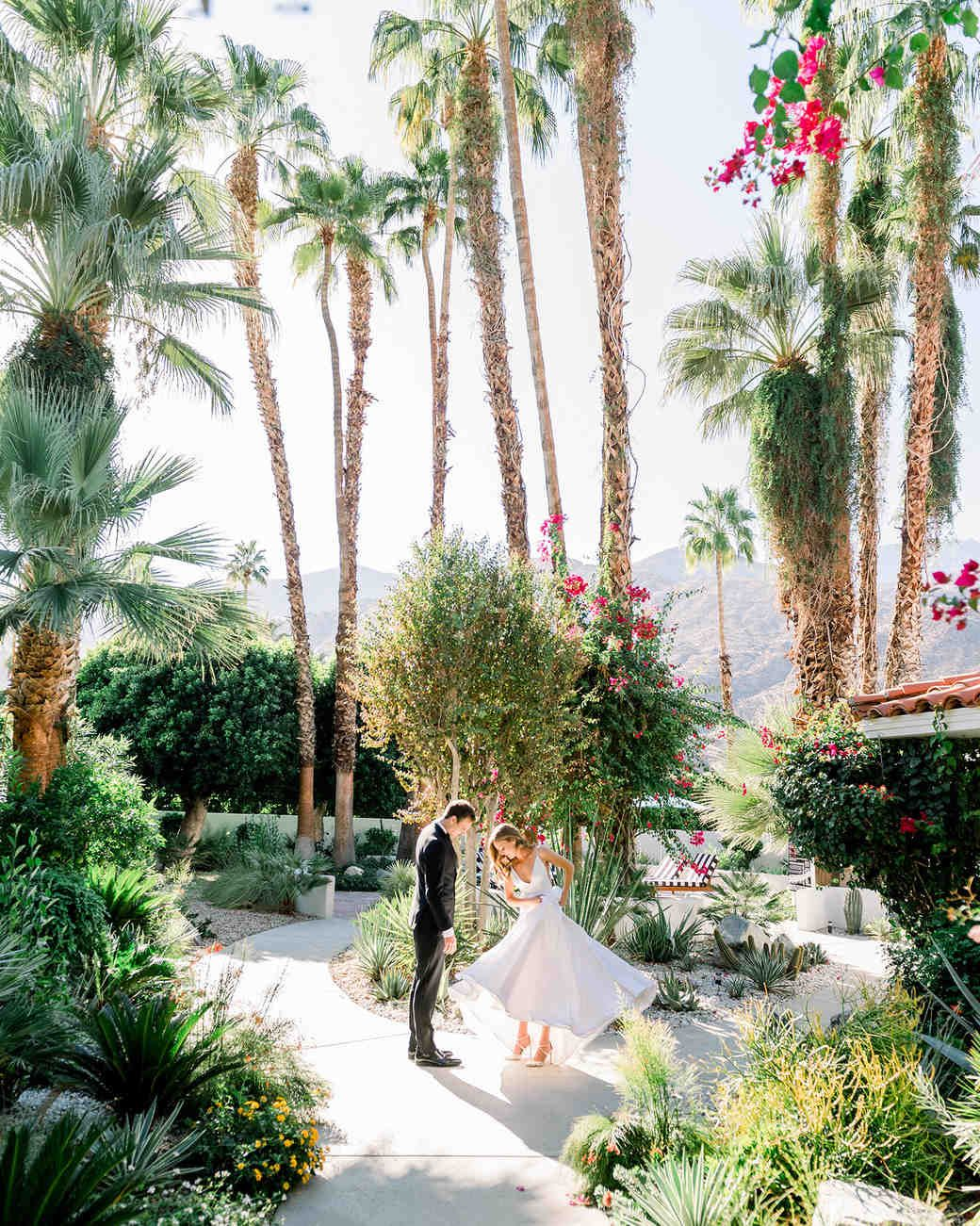This Colorful Modern California Wedding Embodied The Best Parts Of Palm Springs Palm Springs Wedding California Wedding Wedding Ceremony Etiquette