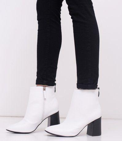 Bota feminina Modelo curto Sato Flare Material: sintético Marca: Satinato  COLEÇÃO VERÃO 2018 Veja outras opções de botas femininas. | Pinterest