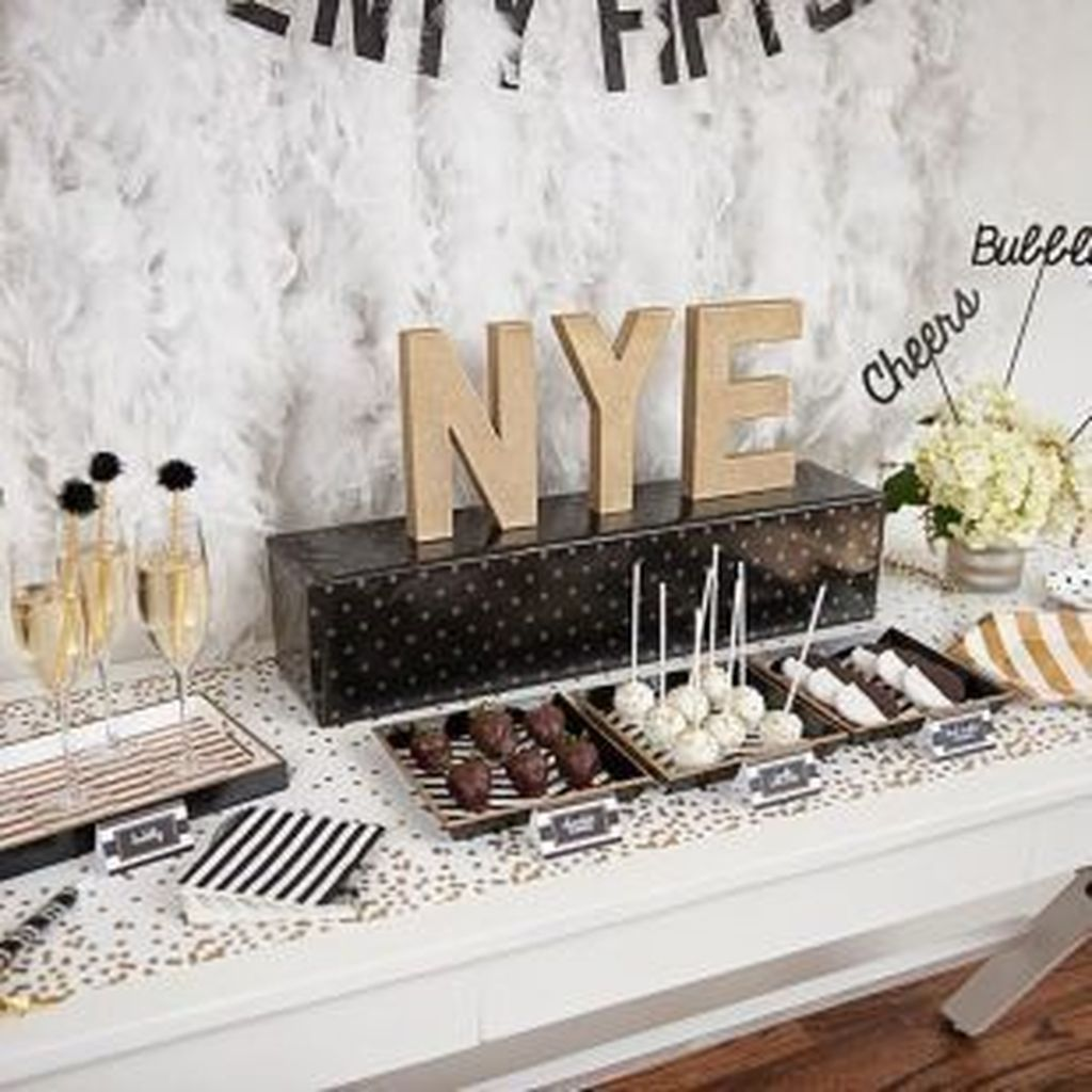 30+ Best Decoration For New Years Eve Party That Celebrating At Home