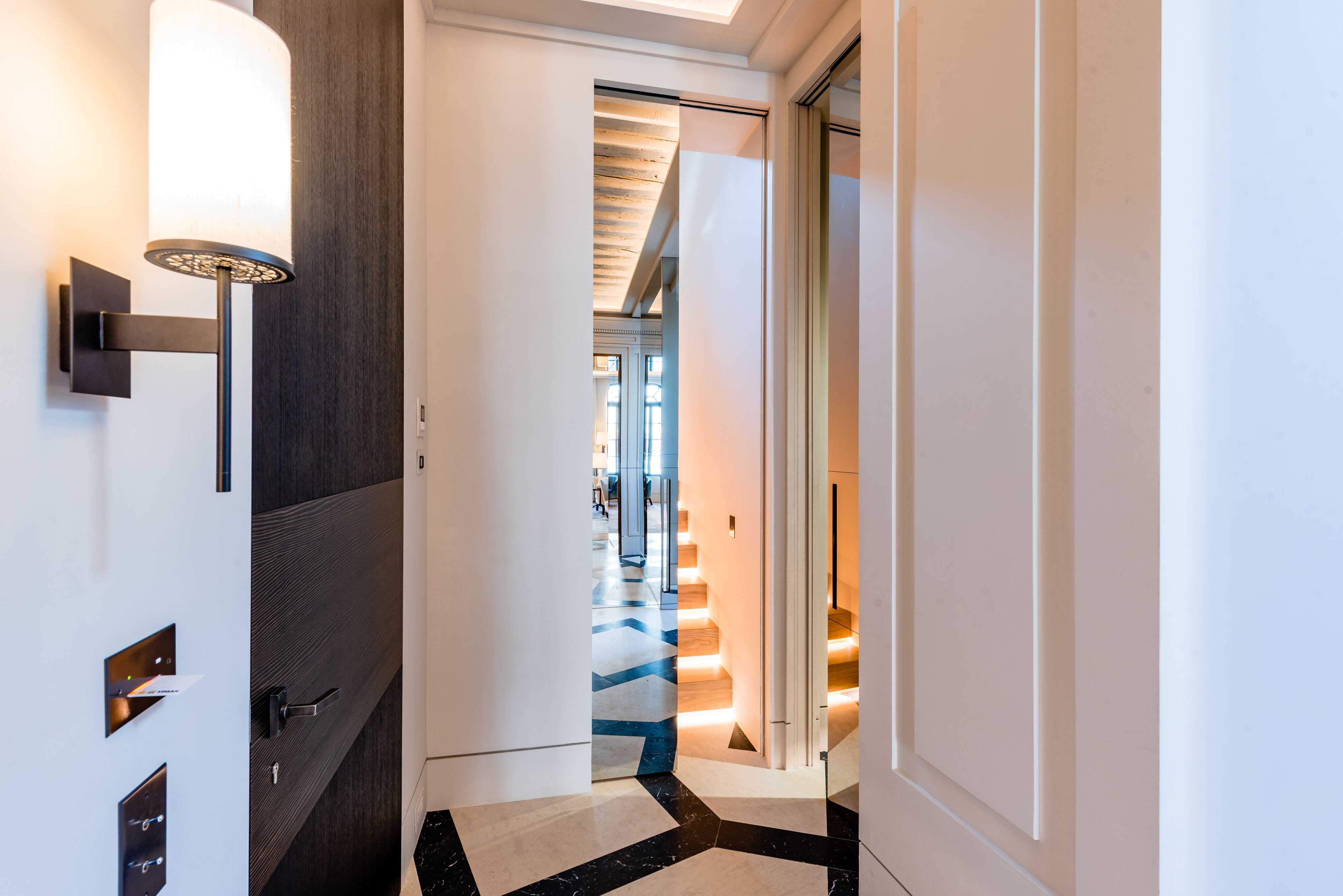 Palazzo Volpi In Venice Furnished With Linvisibile Concealed