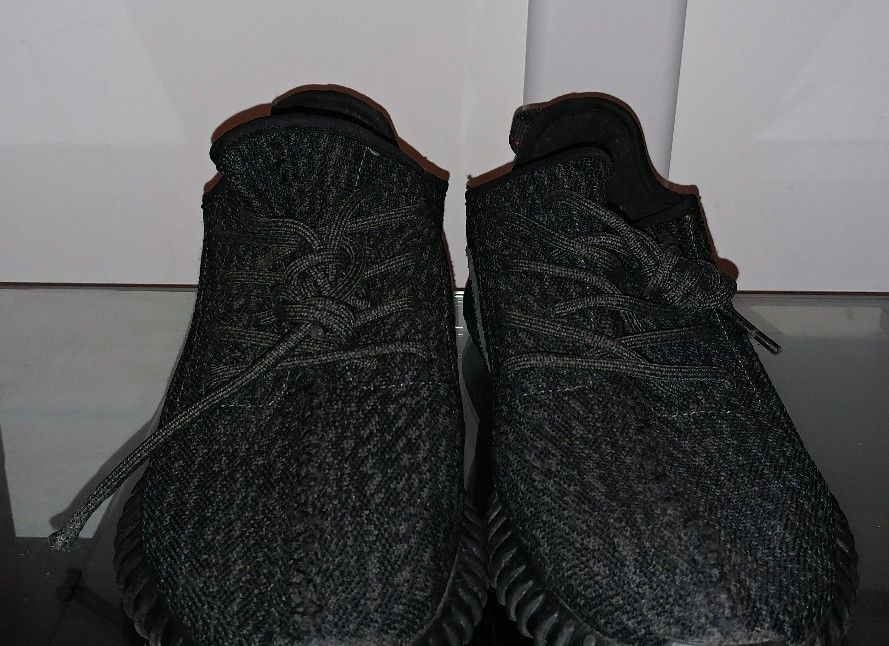 f6148b6e 100% Authentic Yeezy Boost 350 Pirate Black 2016 From StockX Size 8 ...