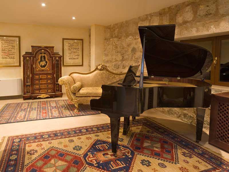 Hotel Residencia Real Castillo De Curiel Castillos Galerías Piano