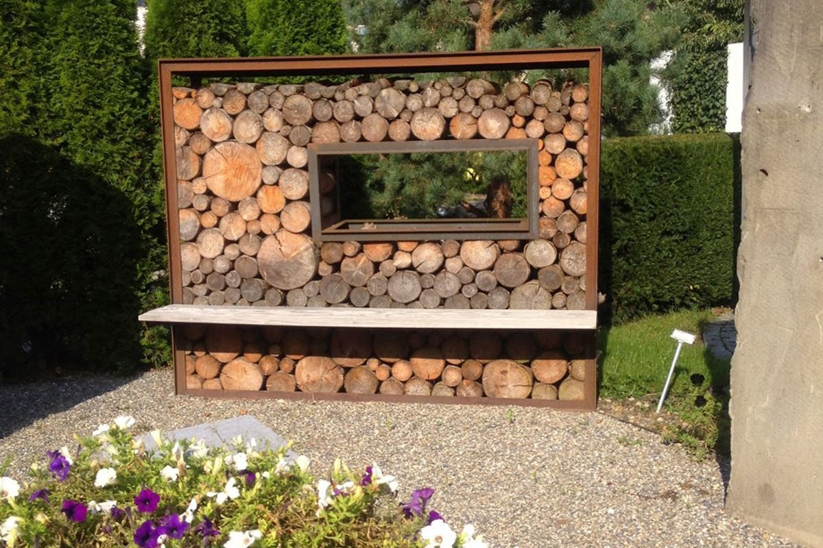 Bild Von Holzlager B Mit Blech Oben Holzlager Holz Feuerholz