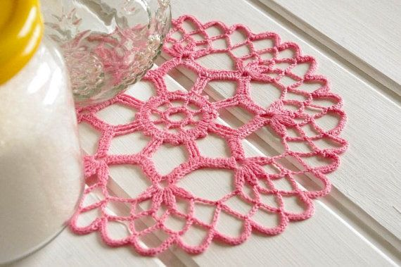 Small crochet doilies Pink crochet doily Small lace doily Round ...