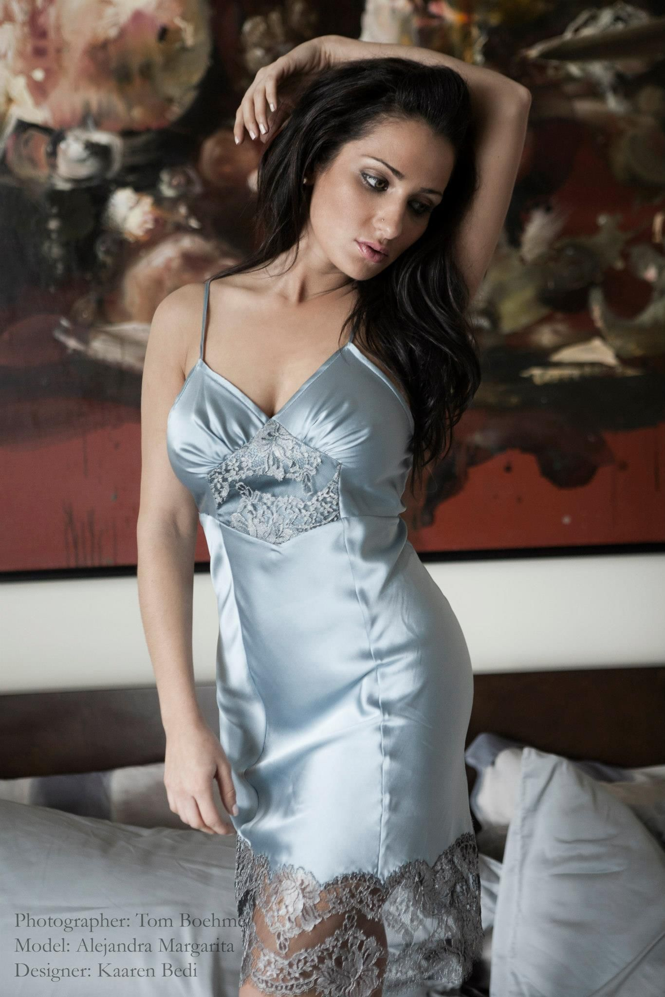 http://www.layneau/wp-content/uploads/2013/06/maggie-in-blue