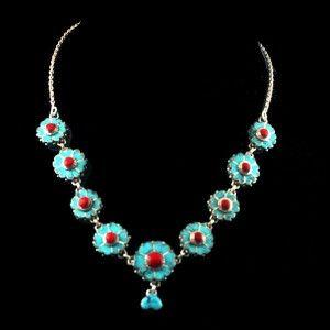 Collier 9 fleurs en turquoise et corail sur monture en argent véritable