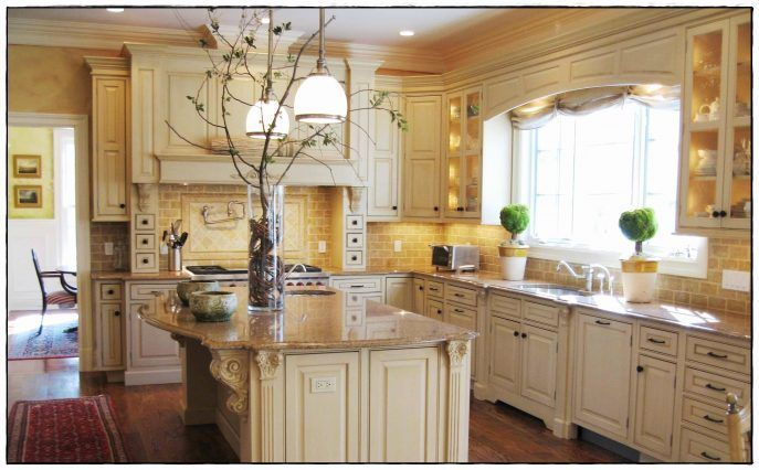 Kitchen Cabinet:Cream Colored Cabinets With Brown Glaze ...