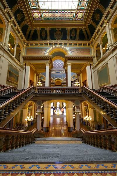 Iowa State Capitol Building, Des Moines | Iowa farms, Iowa ...