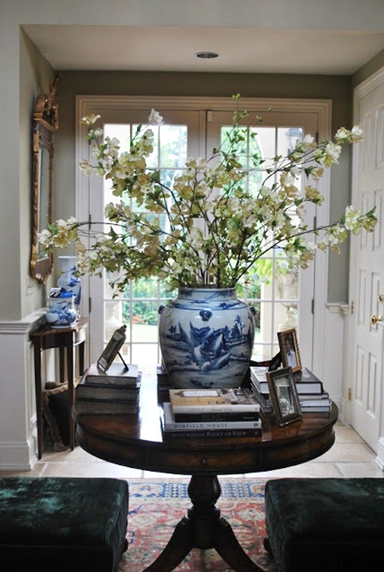 Blue And White Monday Flowers Foyer Decorating