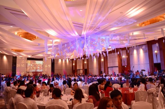 top 10 christmas party themes ideas 2017 4 snow ball
