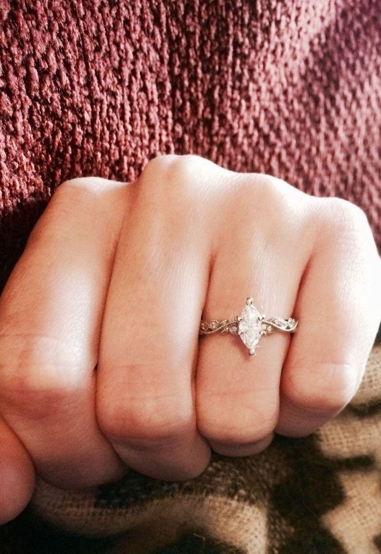 21 awe-inspiring marquise engagement rings to inspire | Marquise diamond engagement ring #engagementring #marquise #diamondring  #engaged