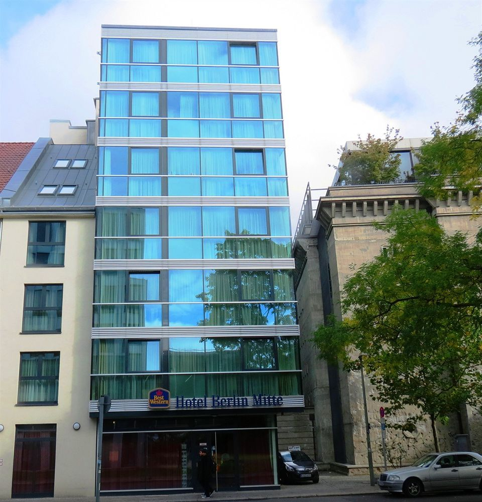 Get the Best Rates at  http://www.lowestroomrates.com/avail/hotels/Germany/Berlin/Best-Western-Hotel-Berlin-Mitte.html?m=p    With a stay at Best Western Hotel Berlin-Mitte, you'll be centrally located in Berlin, steps from Deutsches Theater and minutes from Theater am Schiffbauerdamm. This family-friendly hotel is close to Reichstag Building and Pergamon Museum.  #BestWesternHotel #BerlinMitte #BerlinHotels