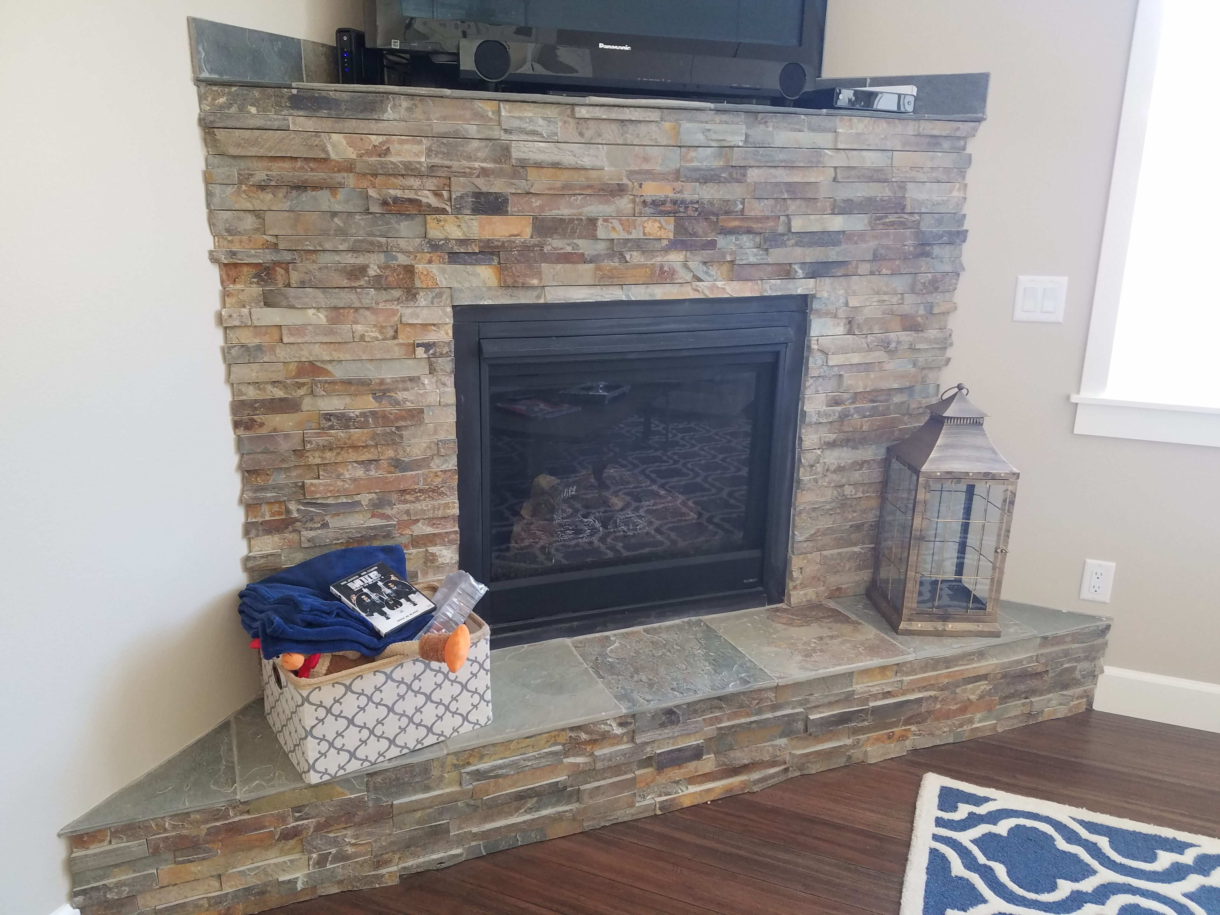 California Gold Ledger Stone Accent Wall And Fireplace Surround Multi Colored Slate Ledger