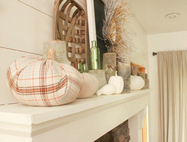 I cant wait to show you my farmhouse style fall mantle this year!  We have made some big changes