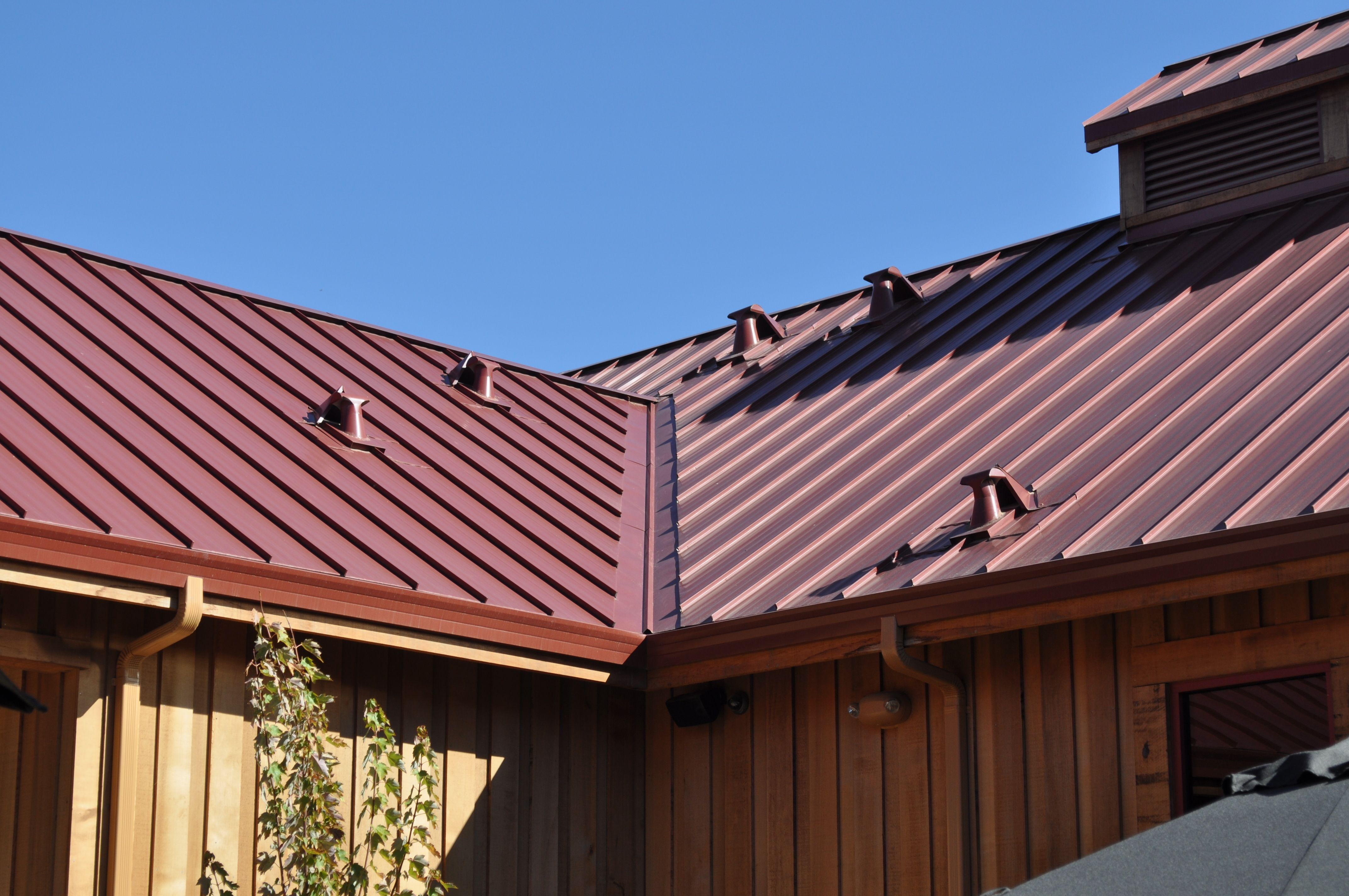 Beautiful Standing Seam Metal Roof In Lodi California Made Possible With The Snaptablehd From Swenson Shear Metal Roof Standing Seam Roofing