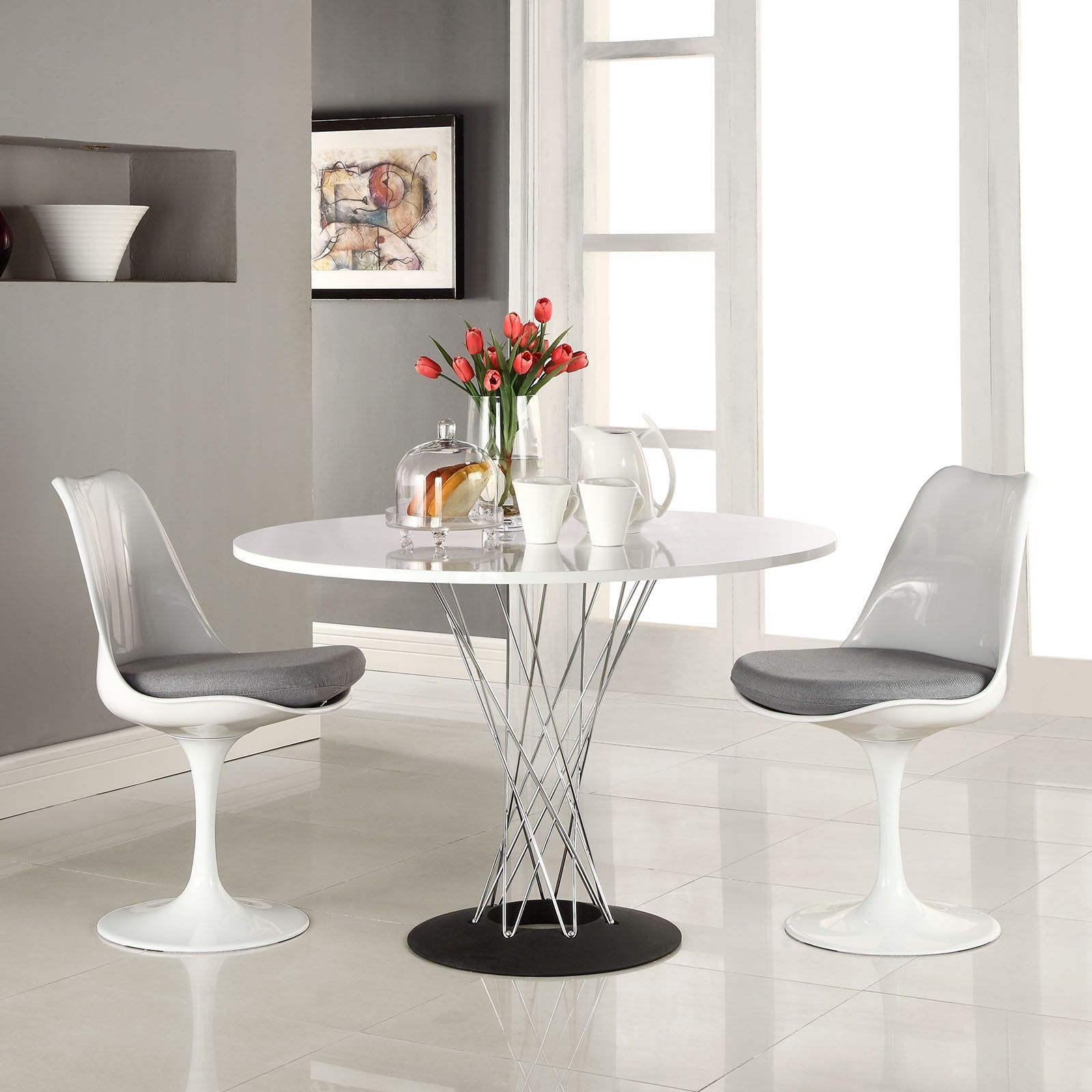 15 White Round Table Design Ideas For Extravagant Look Of Your DIning Room Design Ideas