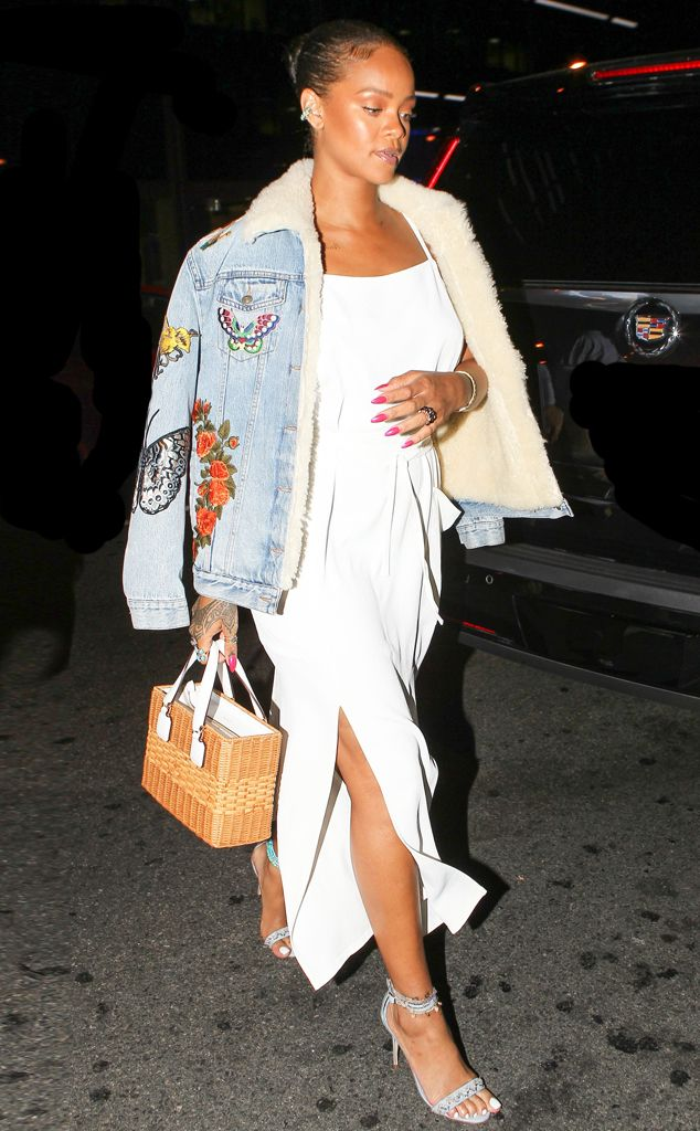 Rihanna from The Big Picture: Today's Hot Pics  White-hot! The singer shows some legstarting her night out at Bootsy Bellows.